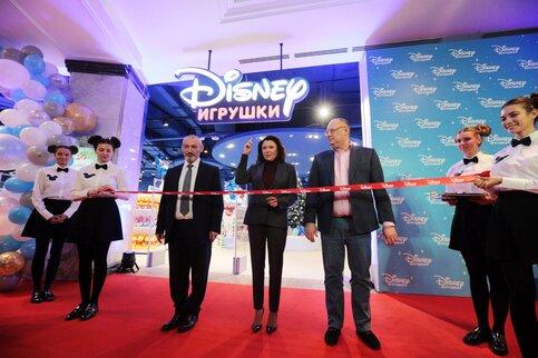 df8baa0b93c Первый в России магазин игрушек Disney открылся в ЦДМ на Лубянке – Москва  24