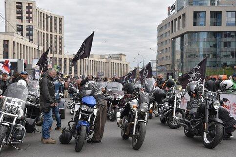 Движение в столицеРФ завтра ограничат из-за мотофестиваля