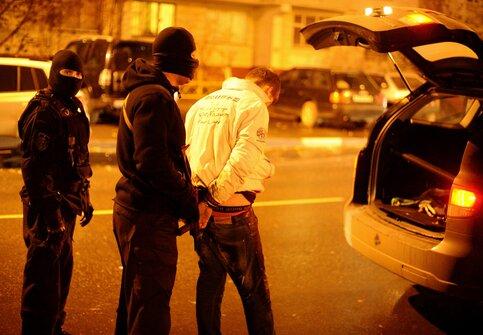 Пять человек задержаны укинотеатра «Прага» замассовую драку
