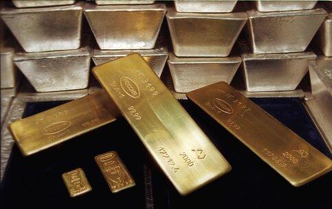 Столичные аферисты добивались вломбарде миллионы за10кг липового золота