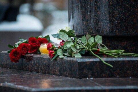 Москва оплатит похороны погибших вТу-154 идаст компенсации ихдетям
