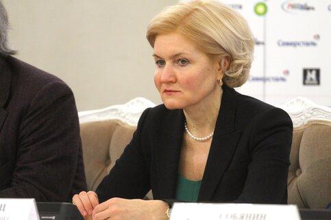Ольга Голодец попросила Владимира Путина поднять МРОТ