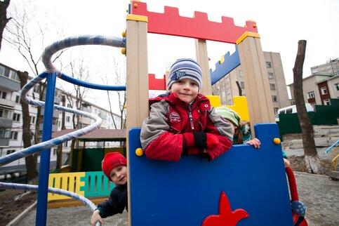 Собянин поручил отремонтировать все детские площадки